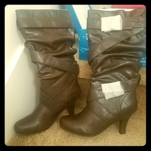 Size 9 brown boots